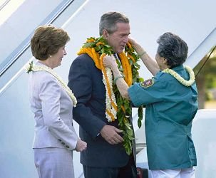 president bush visits hawaii 2003
